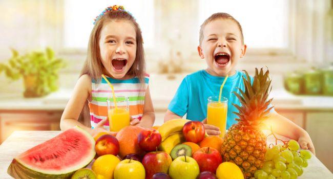 «Мешает формированию нормального аппетита»: Комаровский назвал опасность фруктов в детском рационе