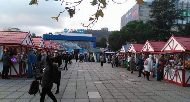 «Коронавирус? Нет, не слышали»: в Крыму устроили масштабные ярмарки, несмотря на карантин