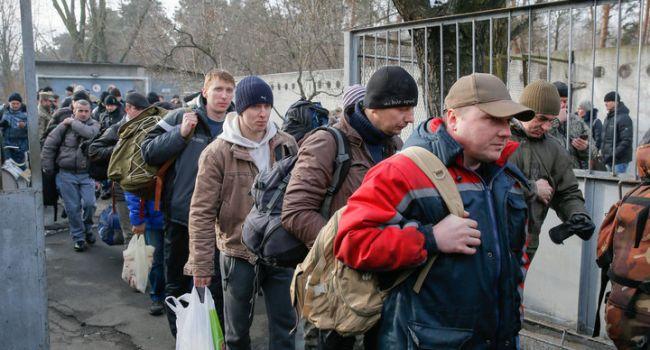 В Польше уже нарастает дефицит рабочих рук: поляки просят украинцев возвращаться, обещая хорошую работу
