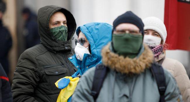 Политолог: приближение жаркого лета поможет Украине избежать вспышки коронавируса