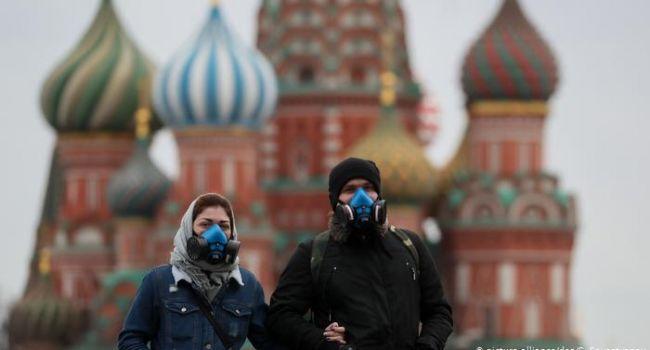 В Москве ввели комендантский час из-за коронавируса: людей выпускают на улицу только по специальным пропускам