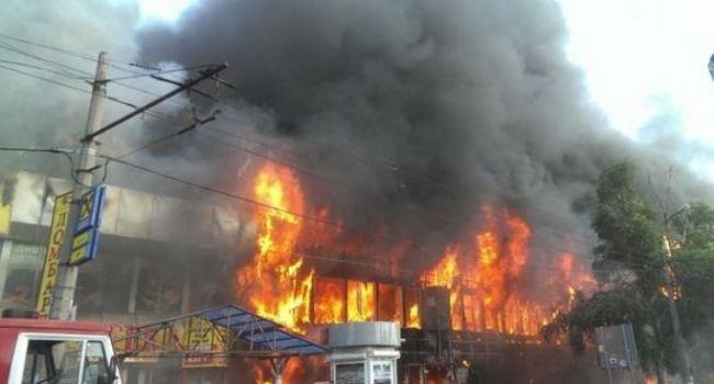 «Кого взорвали? Все затряслось»: В Донецке один за другим прогремели два взрыва, жители в панике