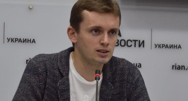 «Ни один из них не является оптимистичным»: политолог отреагировал на заявление Зеленского о сценариях по коронавирусу
