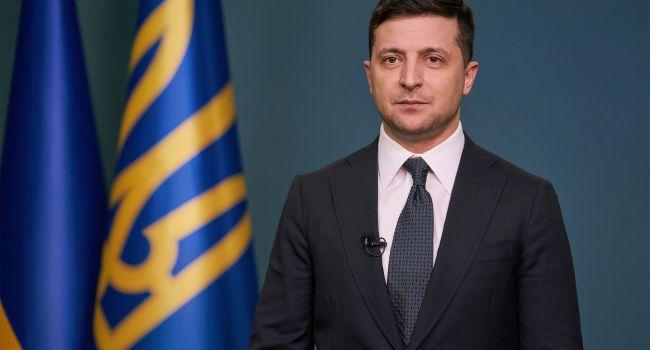 Романенко: Зеленскому уже пора думать о записи главного видеоролика с признанием, что он не справился
