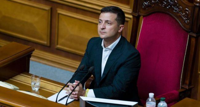 «Сейчас в Украине не может быть оппозиции»: Зеленский призвал парламент поддержать законопроекты, необходимые для возобновления сотрудничества с МВФ