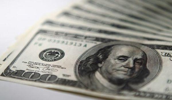В украинских обменниках резко опустился курс доллара