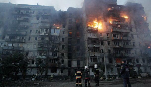 «Война в Донецке»: В результате обстрелов были разрушены жилые дома