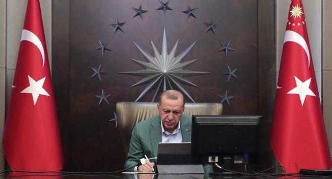 Эрдоган решил пожертвовать зарплату на борьбу с коронавирусом