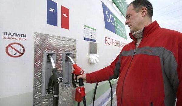 АМКУ: бензин в Украине может подешеветь на 3 – 5 гривен за литр