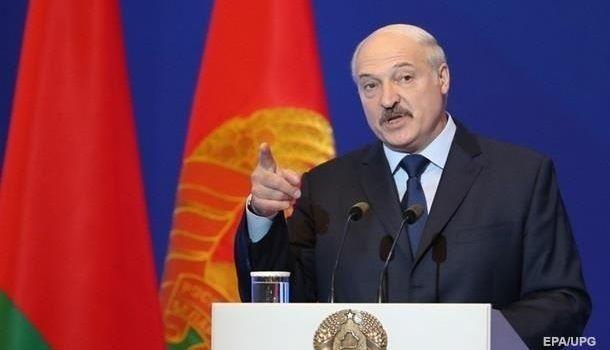 «Я уже молю Бога»: Лукашенко надеется на спад эпидемии коронавируса к Пасхе
