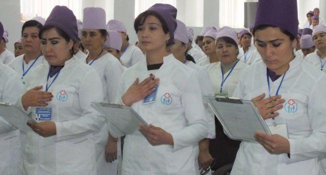 «В Украине массово увольняются медработники»: В Узбекистане на время карантина из-за коронавируса медикам подняли соцвыплаты до 2600 долларов