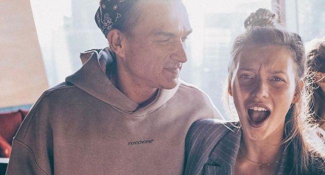 «Глаза краснющие, вместе курите?» Регина Тодоренко поделилась новым фото с мужем и нарвалась на критику thumbnail