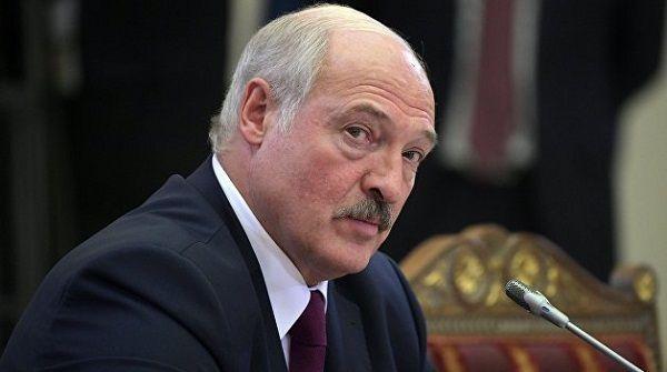 «Нужно воспользоваться шансом»: Лукашенко советует Зеленскому провести выборы на Донбассе