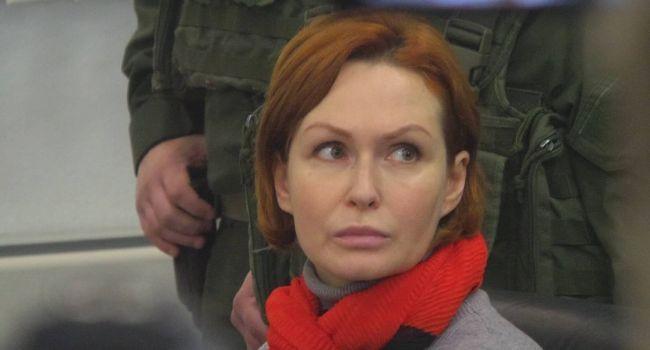 Политолог: продолжается карантин, но все мы должны помнить о том, что два человека, практически безосновательно сидят в СИЗО