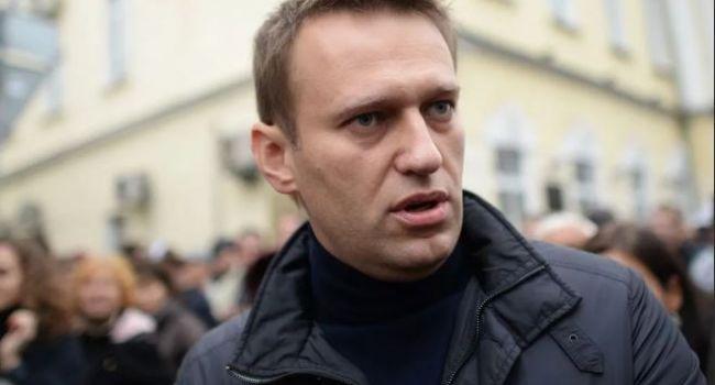 Навальный организовал кампанию против российских знаменитостей из-за Конституции