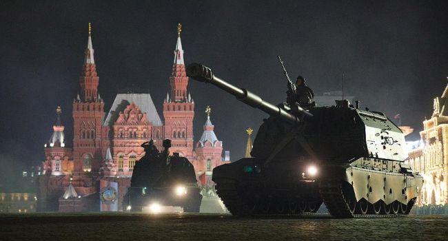 Журналист: коронавирус не помеха – в Москве продолжают готовиться к параду на Красной площади, подумывая о запасном плане