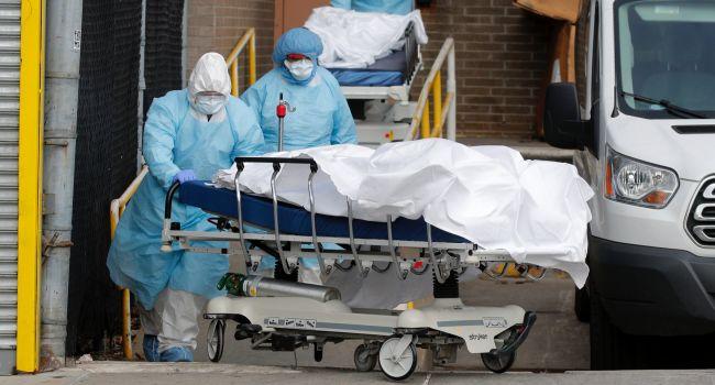 «Пара недель эпидемии превратила ее в кучу битого стекла»: Вассерман рассказал об «убогой» системе здравоохранения США