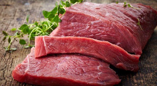 Ученые рассказали о самом опасном виде мяса