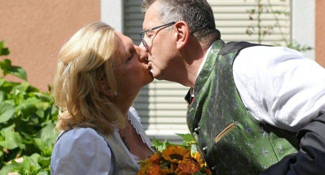 Распускает руки: австрийская подруга Путина пожаловалась в полицию на собственного мужа