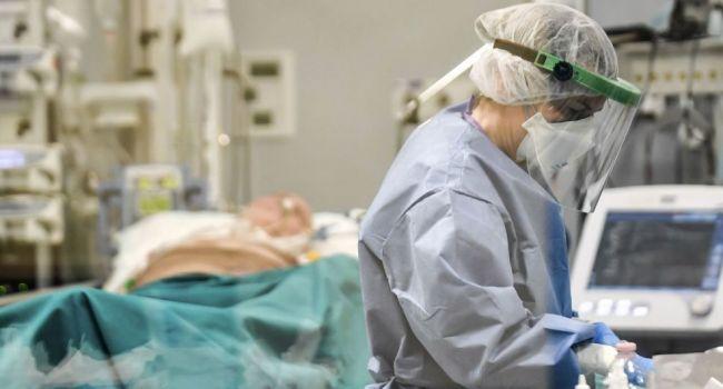 Зеленский отправляет украинских врачей спасать Италию от коронавируса