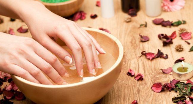 Остались без салона: как ухаживать за ногтями в период карантина