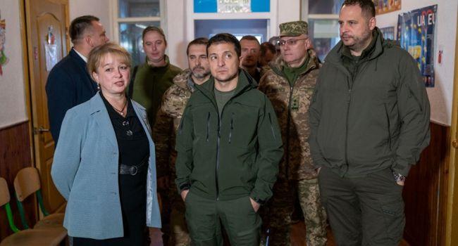 Эксперт: Зеленскому и Ермаку легко отбить атаку на себя и еще раз рассказать всем, что взяток они не берут