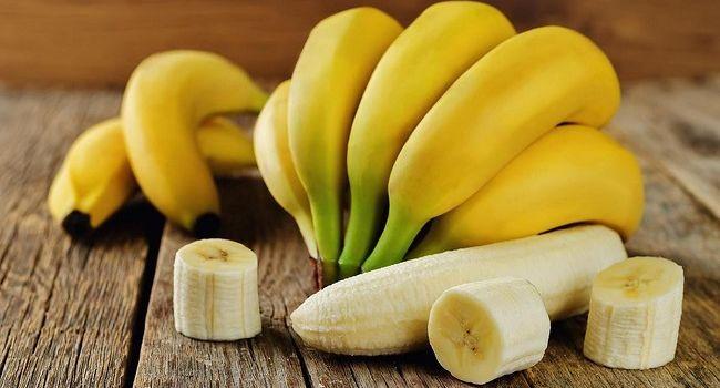 Стало известно, кому нельзя есть бананы