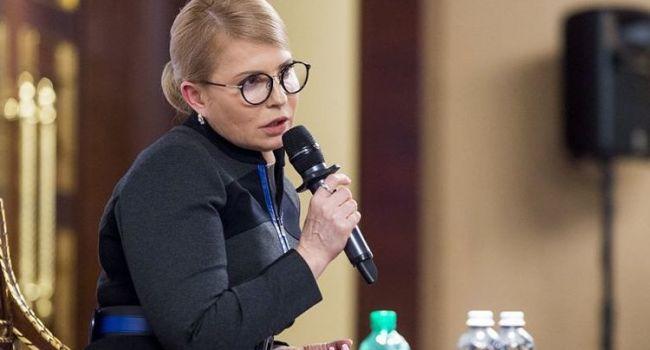 Политолог: своей критикой Тимошенко снова напомнила свое бездумное премьерство