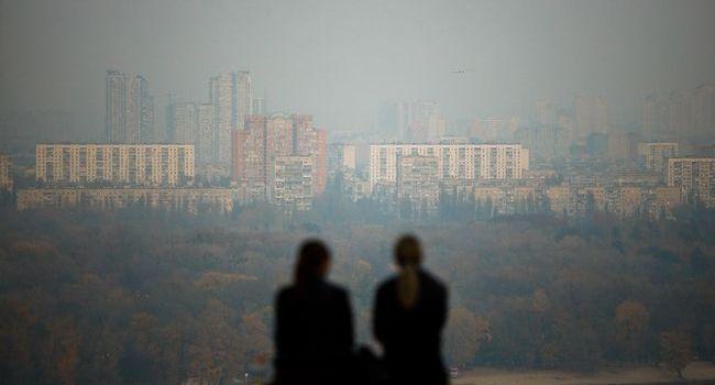 Киевляне второй день подряд задыхаются от запаха гари, над столицей стоит смог, горят леса в Чернобыльской зоне
