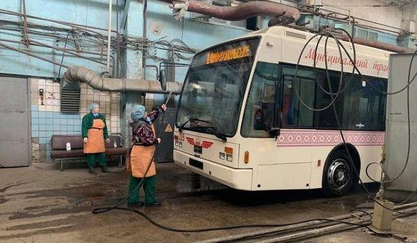 Власти Запорожья отказались останавливать движение общественного транспорта
