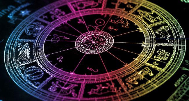 Астролог назвал знаки Зодиака, которые быстрее других выйдут из самоизоляции