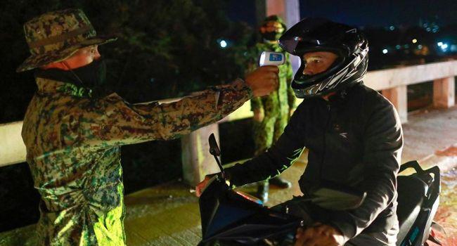 Коронавирус на Филиппинах: Полиция расстреляла мужчину, отказавшегося носить защитную маску