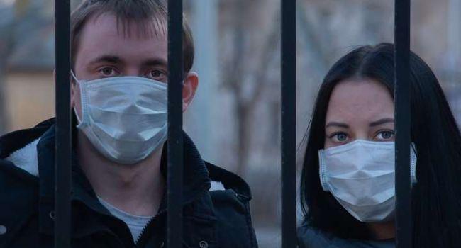 Сегодня власти запрещают выходить на прогулку, а завтра на их место придет Медведчук и будет уже не до шуток, – блогер