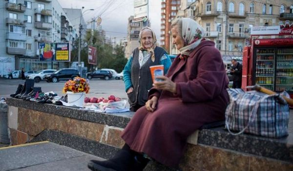 В Кабмине рассказали, когда пенсионеры получат  1000 гривен прибавки  к пенсии