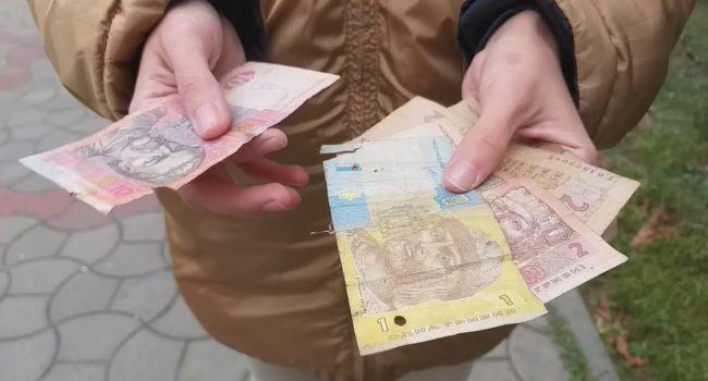 Блогер: Для подавляющего большинства украинцев остаться без работы - это хуже вируса. Ведь эти люди живут от зарплаты до зарплаты