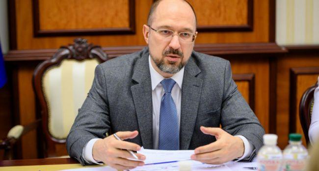 Правительство из-за коронавируса изменило правила назначения выплат для пенсионеров Украины, а также тех, кто получает социальную помощь