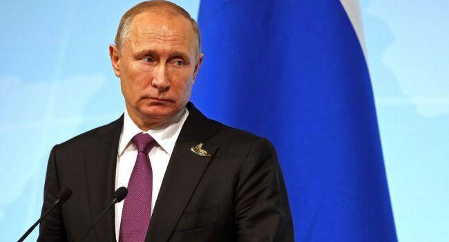 У мирового сообщества появился реальный шанс спихнуть Россию с геополитической сцены, на которую Москва выперлась нагло и бесцеремонно - блогер