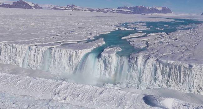 Последние семь лет: ученые предупредили о странном разрушении крупного ледника