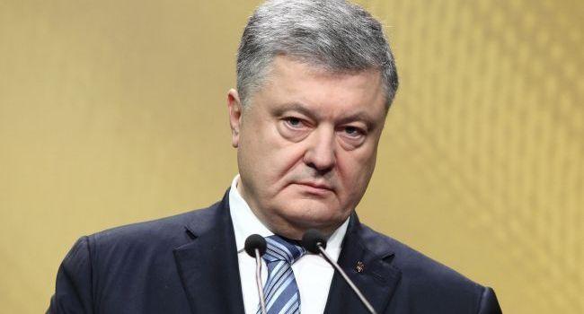 Журналист: в сети снова активизировалась кампания по дискредитации Порошенко