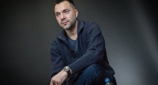 Арестович: история с коронавирусом – минимум до июня