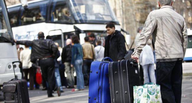 После того, как эпидемия завершится, люди будут уезжать из Украины еще более массово, чем раньше - мнение