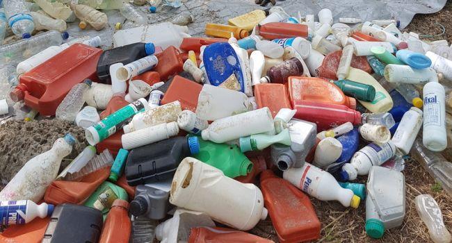 За несколько часов: ученые создали уникальный фермент, разрушающий пластик