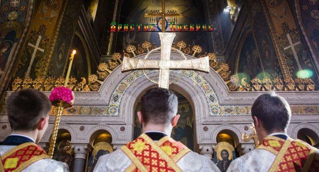 В Черновицкой области священник с коронавирусом заявил, что будет проводить службу в храме на Пасху