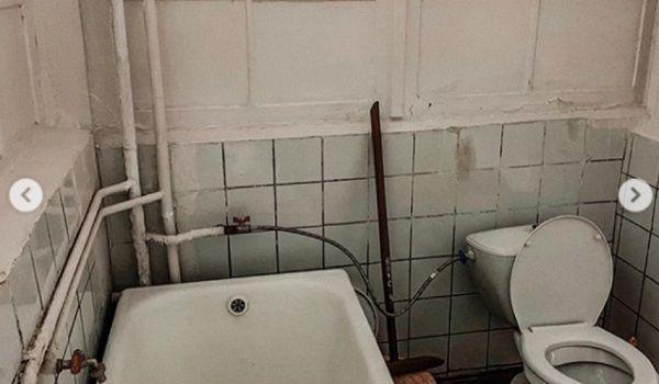 «В 21 веке еще существуют такие условия!»: в сети показали страшные фото больницы, в которой лечат от коронавируса