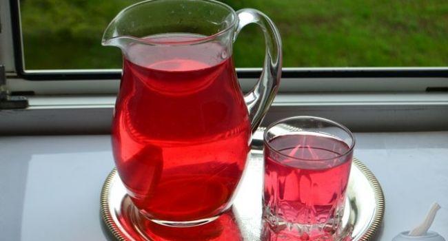 «Замедляет процесс старения»: Раскрыт секрет целебного напитка из базилика