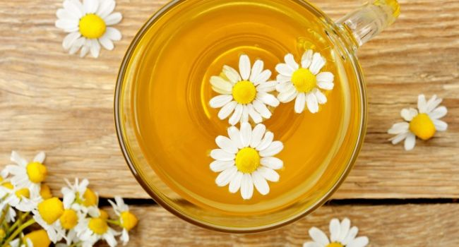 Незаменимы при борьбе с заболеваниями: названы самые полезные травяные чаи