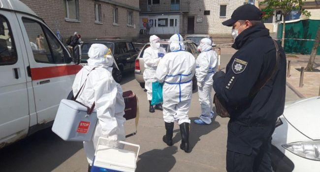 Вспышка коронавируса в Вишневом: Правоохранители полностью заблокировали общежитие