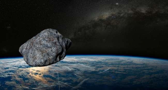 «Защита от коронавируса»: к Земле приближается огромный астероид необычной формы