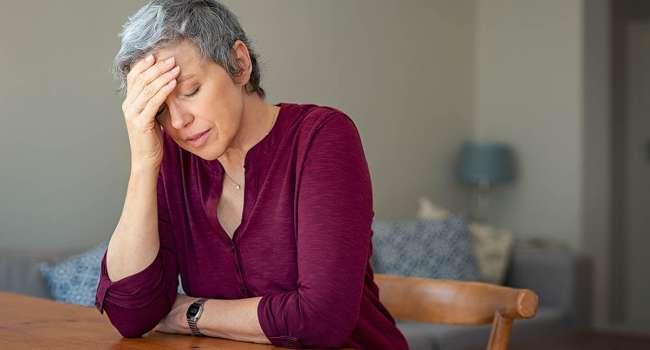 «Это не так страшно, как кажется»: специалисты рассказали, как пережить менопаузу