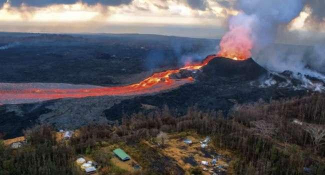 «Очень много осадков»: ученые назвали неожиданную причину извержения крупнейшего в мире вулкана